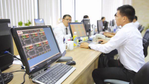 Phiên 12/11, Khối ngoại sàn HSX đẩy mạnh bán ròng cổ phiếu VIC với gần 227 tỷ đồng.