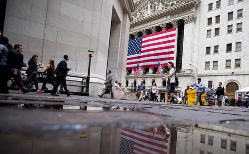 Cổ phiếu của 7 nhóm ngành trên thị trường chứng khoán Mỹ tăng điểm trong tháng 7/2016 - Ảnh: Bloomberg.