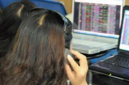 Thông tư số 09/2010/TT-BTC có hiệu lực sau 45 ngày, kể từ ngày 15/1/2010 - Ảnh: Quang Liên.
