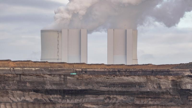 các công ty năng lượng được dự báo sẽ mất gần 33% giá trị vốn hoá vì thay đổi chính sách khí hậu.