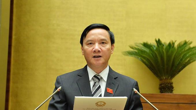 Chủ nhiệm Uỷ ban Pháp luật Nguyễn Khắc Định trình bày báo cáo tiếp thu, giải trình Luật Tố cáo (sửa đổi)