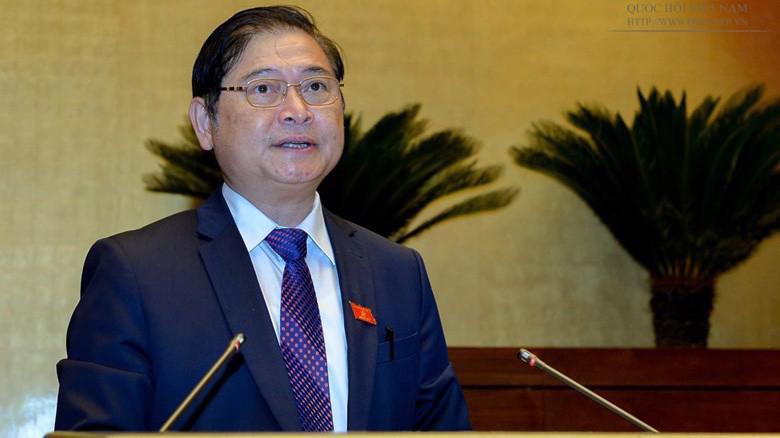 Chủ nhiệm Uỷ ban Khoa học, Công nghệ và Môi trường của Quốc hội, ông Phan Xuân Dũng trình bày báo cáo thẩm tra.