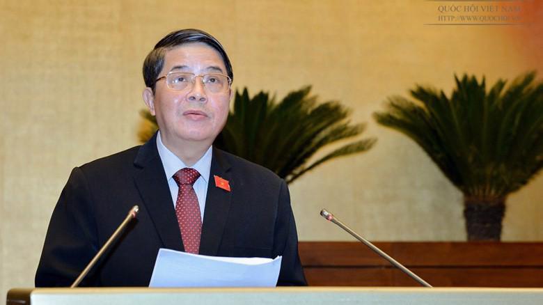 Chủ nhiệm Uỷ ban Tài chính - Ngân sách của Quốc hội Nguyễn Đức Hải trình bày báo cáo thẩm tra các nội dung về ngân sách ngắn hạn và trung hạn