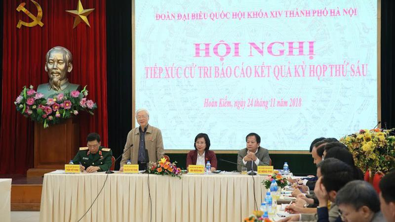 Tổng bí thư Nguyễn Phú Trọng tiếp xúc cử tri Hà Nội - Ảnh: NT