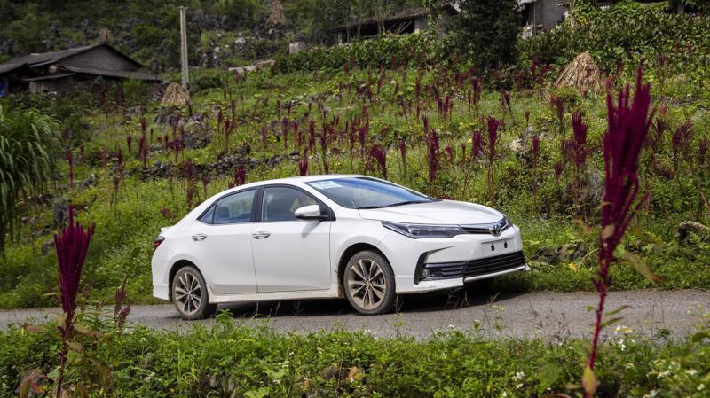 Những nỗ lực của Toyota Việt Nam đang giúp mẫu sedan cỡ trung Corolla Altis trở lại nhóm xe bán chạy trên thị trường.