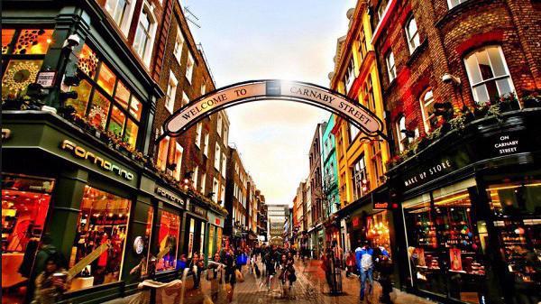Phố mua sắm là một trong những yếu tố hàng đầu khiến bất động sản London cao ngất ngưởng.