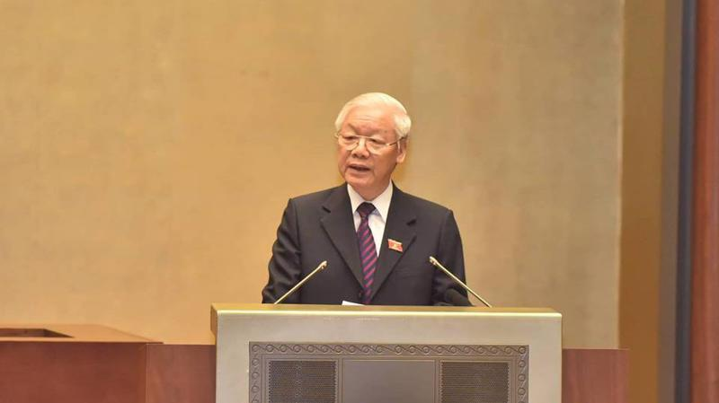 Tổng bí thư, Chủ tịch nước Nguyễn Phú Trọng trình bày tờ trình phê chuẩn CPTPP - Ảnh Quang Phúc.