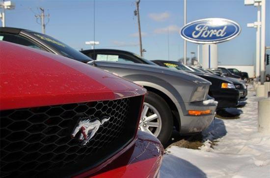 Thay vì sa thải, một số nhà máy của Ford giờ đây đang tính tới chuyện thuê thêm nhân công - Ảnh: Getty Images.