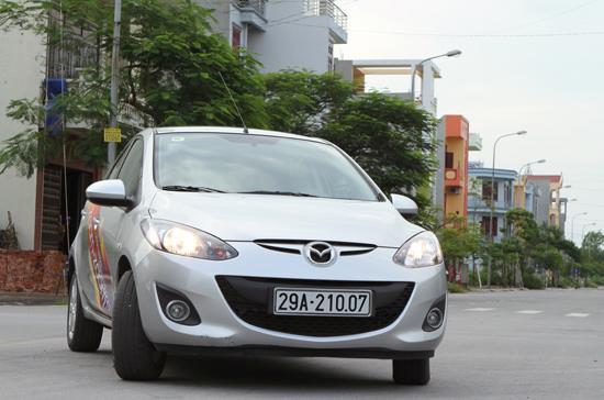Mazda 2 nhắm tới các đối tượng gia đình và khách hàng nữ tại các thành phố lớn - Ảnh: Bobi.