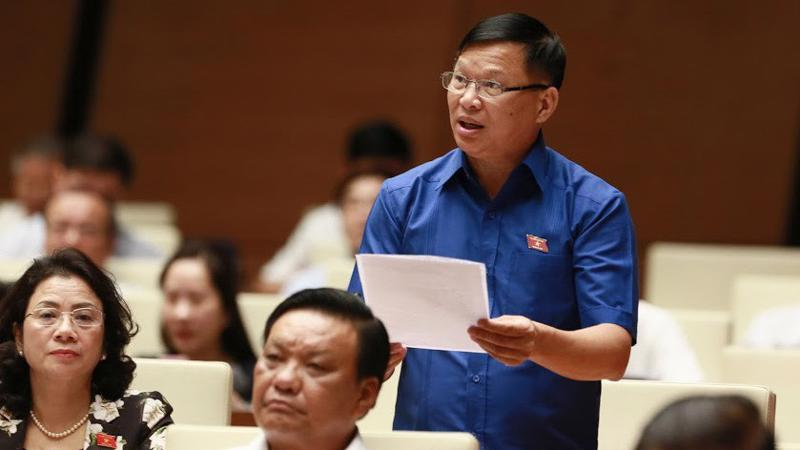 Đại biểu Trần Văn Tiến (Vĩnh Phúc) đề xuất nghỉ thêm ngày toàn dân đưa trẻ đến trường, là ngày 5 tháng 9 dương lịch - Ảnh: QP
