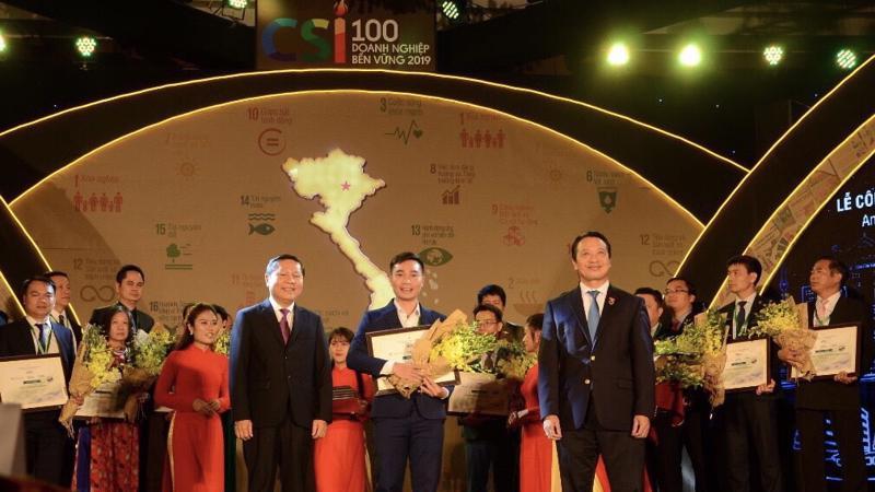 Tập đoàn Hoa Sen được vinh danh trong Lễ công bố Doanh nghiệp phát triển bền vững năm 2019.