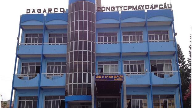 May Đáp Cầu doanh nghiệp trực thuộc Tổng công ty Dệt may Việt Nam (Vinatex).