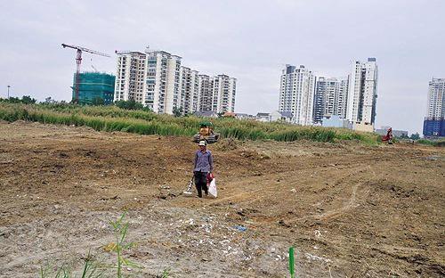 Hà Nội đang phải đối mặt với tình trạng quá tải tại các trường mầm non, tiểu học cũng như thiếu các công trình hạ tầng xã hội tại các dự án, khu đô thị.