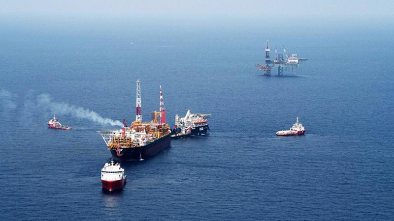 Nhà đầu tư góp vốn thực hiện dự án dầu khí nước ngoài trong hạn mức vốn đầu tư ra nước ngoài ghi trong giấy chứng nhận đăng ký đầu tư ra nước ngoài.