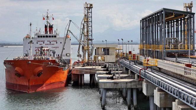 Mặc dù lượng và kim ngạch tăng mạnh nhưng giá xuất khẩu dầu thô sang Trung Quốc lại giảm 5,4%, đạt 506,7 USD/tấn.