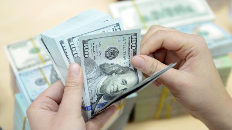 10 tháng năm 2018, tổng vốn đăng ký cấp mới, tăng thêm và góp vốn, mua cổ phần của nhà đầu tư nước ngoài là 27,9 tỷ USD, bằng 98,8% so với cùng kỳ năm 2017