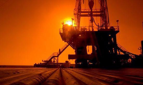 Nhiều chuyên gia khẳng định rằng không thể thay đổi tâm lý bi quan chung của cả thị trường chỉ bằng thông tin dự trữ và sản xuất dầu thô của một tuần - Ảnh: PennEnergy.