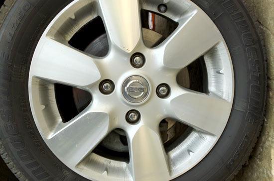 Đường kính, offset (ký hiệu là ET), backspacing… là các khái niệm chính liên quan tới mâm lốp mà bạn nên tìm hiểu - Ảnh:Bobi.