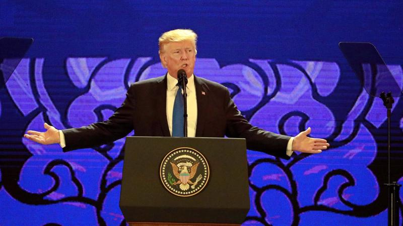 """Trong bài phát biểu tại Đà Nẵng trước cộng đồng doanh nhân đến từ các nước thuộc Diễn đàn Hợp tác kinh tế Châu Á-Thái Bình Dương (APEC), ông Trump nhiều lần kêu gọi một """"khu vực Ấn Độ-Thái Bình Dương tự do và cởi mở""""."""