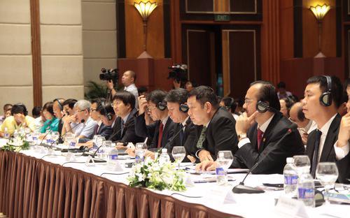 Doanh nhân Việt tại một diễn đàn kinh tế tư nhân.
