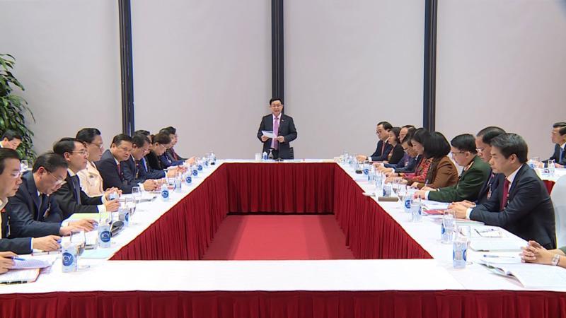 Đoàn đại biểu TP Hà Nội do đồng chí Vương Đình Huệ, Ủy viên Bộ Chính trị, Bí thư Thành uỷ Hà Nội chủ trì.