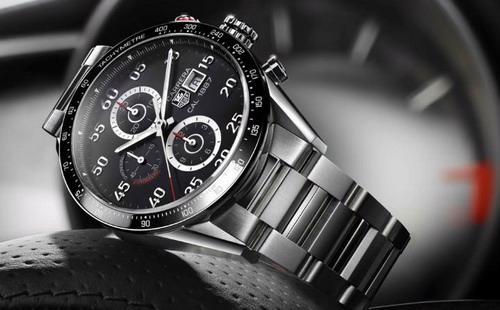 Đồng hồ Connected của Tag Heuer được tung ra thị trường với mục tiêu cạnh tranh trực tiếp với đồng hồ Apple Watch của Apple - Ảnh: DigitalTrend.<br>