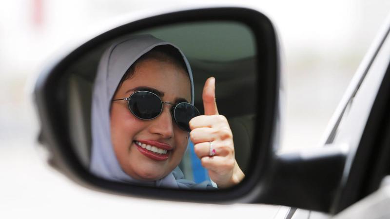 Phụ nữ Saudi Arabia chính thức được lái xe từ 24/6 - Ảnh: CNN.