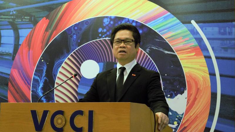 Chủ tịch VCCI Vũ Tiến Lộc nhấn mạnh, quan điểm nhất quán của Đảng và Nhà nước Việt Nam trong tiến trình đổi mới là Nhà nước chỉ là những gì mà tư nhân không làm được hoặc không muốn làm