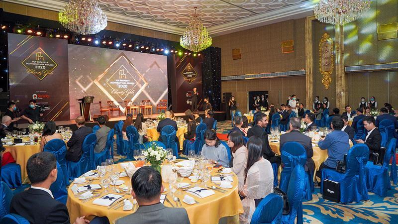 Lễ trao giải Dot Property Southeast Asia Awards 2020 được tổ chức trang trọng với sự góp mặt của ban cố vấn giải thưởng, các chuyên gia và đông đảo quản lý cấp cao từ nhiều doanh nghiệp uy tín hàng đầu.