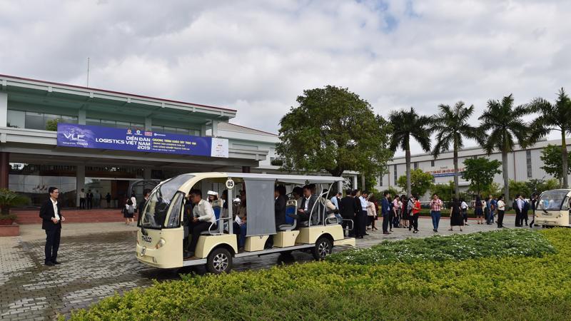 Đoàn đại biểu tham dự Diễn đàn Logistics Việt Nam 2019 tham quan nhà máy sản xuất ô tô Trường Hải