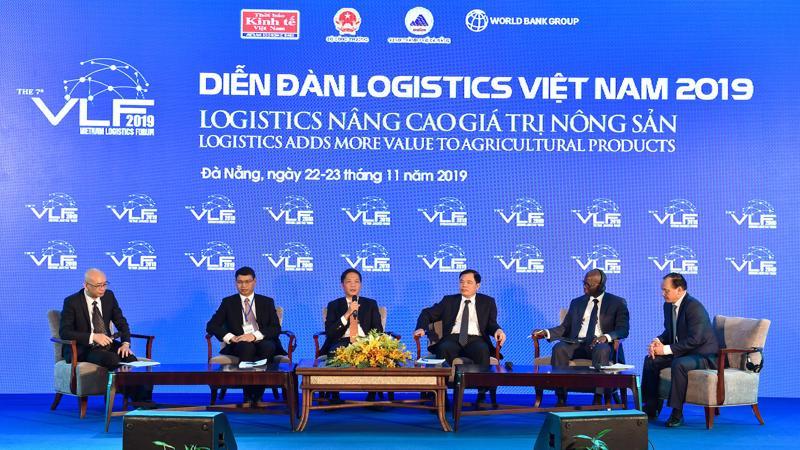 Cần tập trung xây dựng và phát triển các loại hình doanh nghiệp logistics có năng lực cạnh tranh cao - Ảnh: Việt Tuấn.