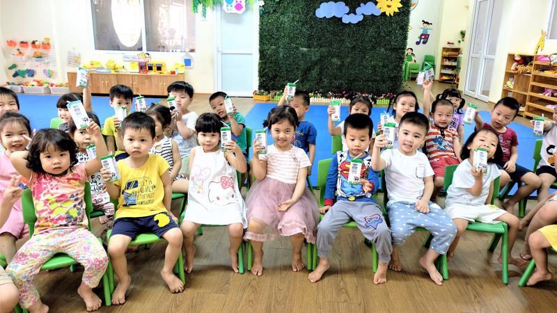 Theo mục tiêu của đề án sữa học đường đến hết năm 2020 có khoảng 1,2 triệu trẻ mầm non và tiểu học ở Hà Nội được uống sữa học đường.