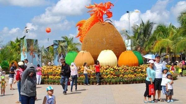 Các sản phẩm dừa của tỉnh Bến Tre đang được xuất khẩu sang 100 nước, giá trị xuất khẩu dừa năm 2018 là trên 200 triệu USD và lọt vào top xuất khẩu tỷ USD của Việt Nam.