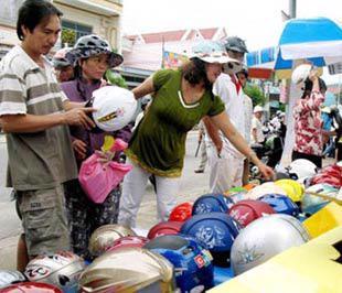 Hoạt động đưa hàng về nông thôn sẽ được đẩy mạnh trong thời gian tới.