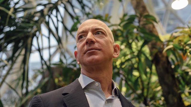 Tỷ phú Jeff Bezos - Ảnh: Forbes.