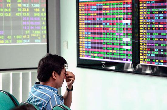 Thị trường chứng khoán - kênh gọi vốn của doanh nghiệp - ảm đạm và suy giảm kéo dài suốt thời gian qua.