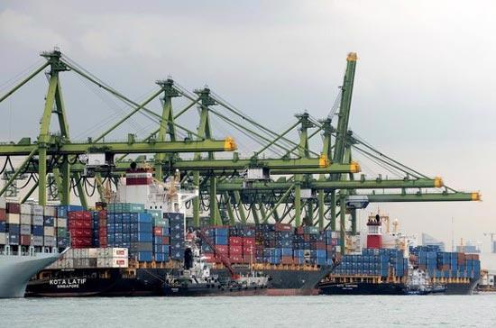 Theo thoả thuận, Trung Quốc và 6 nước sáng lập ASEAN là Brunei, Indonesia, Malaysia, Philippines, Singapore và Thailand sẽ bỏ các rào cản đầu tư và thuế với 90% hàng hoá - Ảnh: Getty Images.