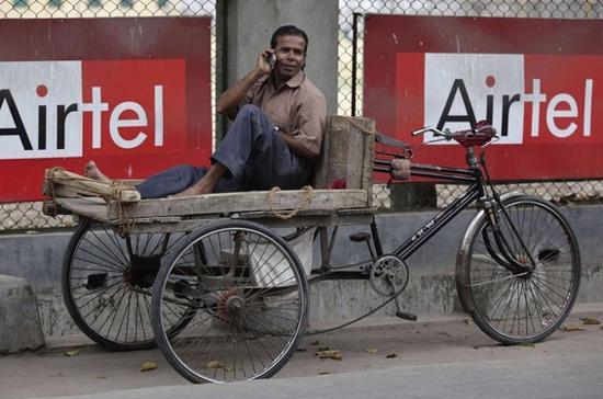 Tập đoàn viễn thông Ấn Độ, Barthi Telecom vừa mua lại mạng di động của hãng Zayn (Qata), tại 17 nước châu Phi - Ảnh: Reuters.