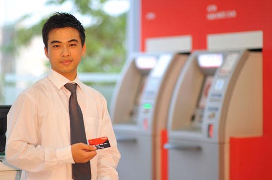 Với việc mở rộng kết nối này, thẻ ghi nợ nội địa của Maritime Bank có thể thực hiện được giao dịch tại hơn 6.500 ATM trên toàn quốc.