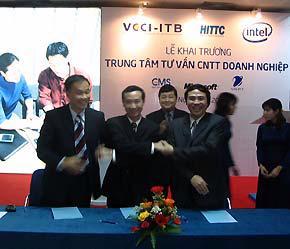 Lễ khai trương Trung tâm Tư vấn công nghệ thông tin vào hôm 9/4 tại Hà Nội.