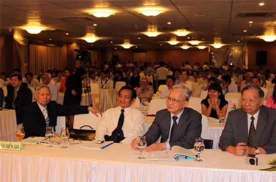 Theo quan điểm chung của các chuyên gia đưa ra tại hội thảo, hướng đến năm 2010, nền kinh tế Việt Nam đang đứng trước những chuyển biến với kỳ vọng có bước chuyển biến tích cực hơn năm 2009.