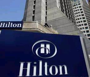 Tập đoàn khách sạn Hilton sở hữu hơn 2.800 khách sạn với 480.000 phòng tại 76 quốc gia và vùng lãnh thổ.