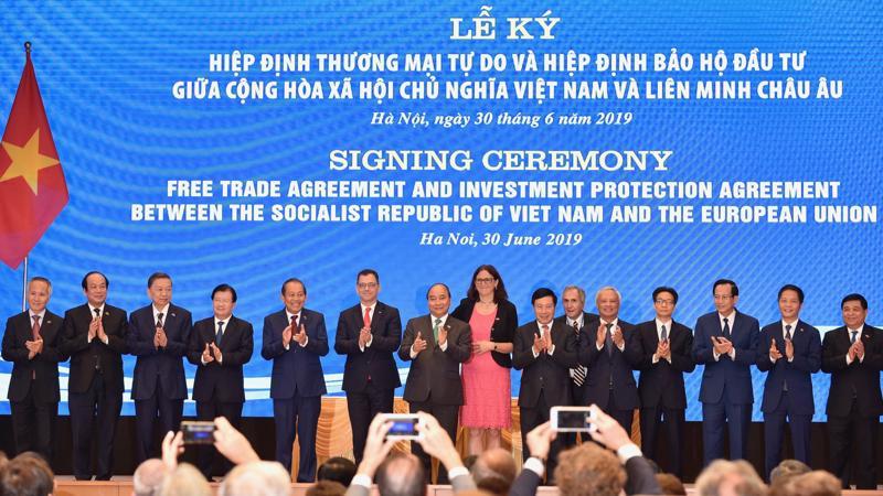 Sự liên kết, tổng hòa các Hiệp định quan trọng này sẽ nâng cánh quan hệ Việt Nam và EU lên tầm cao mới mang tính chiến lược. Ảnh: VGP