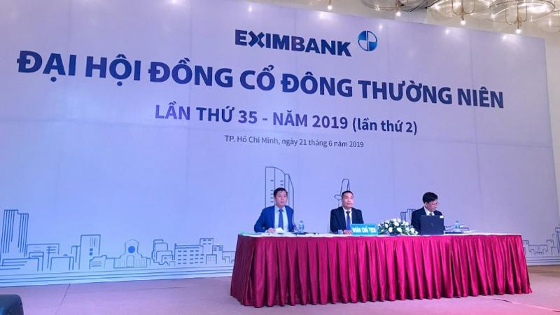 Ban chủ tọa Đại hội cổ đông thường niên 2019 của Eximbank.