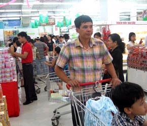 """""""Ưu điểm của hệ thống bán lẻ Việt Nam là năng động, uyển chuyển dễ bám sát nhu cầu tiêu dùng và dễ thích ứng với biến động thị trường""""."""