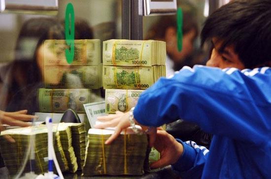"""Ngân hàng Nhà nước kêu gọi """"các tổ chức tín dụng tiếp tục phát hiện, đấu tranh với các hành vi vi phạm của các tổ chức tín dụng khác"""" - Ảnh: Getty."""