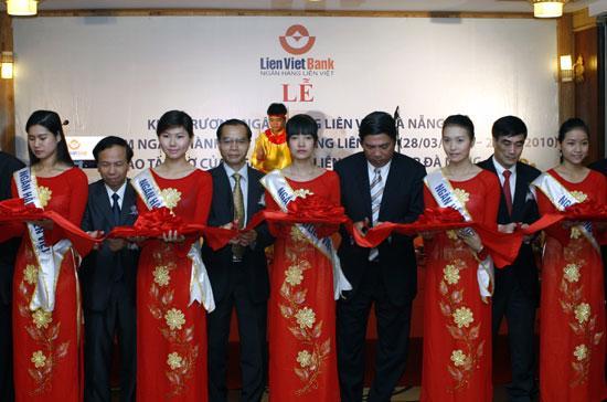 LienVietBank khai trương chi nhánh tại Đà Nẵng, chi nhánh thứ hai của ngân hàng này tại miền Trung.