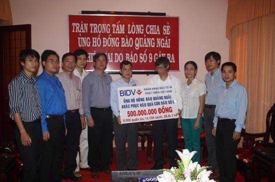 Không chỉ đóng góp cho xã hội bằng nghề nghiệp tín dụng, hàng năm, BIDV đã dành những khoản ngân sách lớn để thực hiện công tác an sinh xã hội trực tiếp.