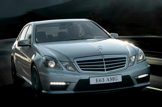 Đại diện Mercedes-Benz Việt Nam cho biết, hiện tại nhà phân phối chưa thể cung cấp các thông tin chi tiết hơn cùng vấn đề giá bán của E63 AMG 2010.