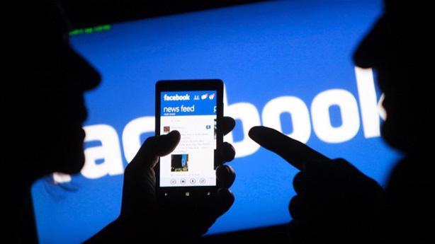 Theo Bộ Thông tin và Truyền thông, tính đến đầu tháng 10 năm 2020 Facebook đã gỡ gần 2036 bài viết thuộc loại thông tin xấu độc, tăng 500% so với cả năm 2019, tỷ lệ gỡ chặn 95%.